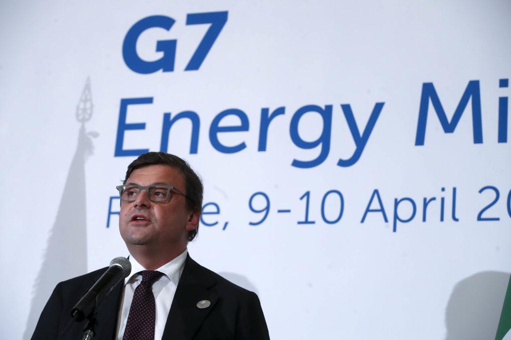 carlo calenda su g7 energia  si al gas  rinnovabili forse