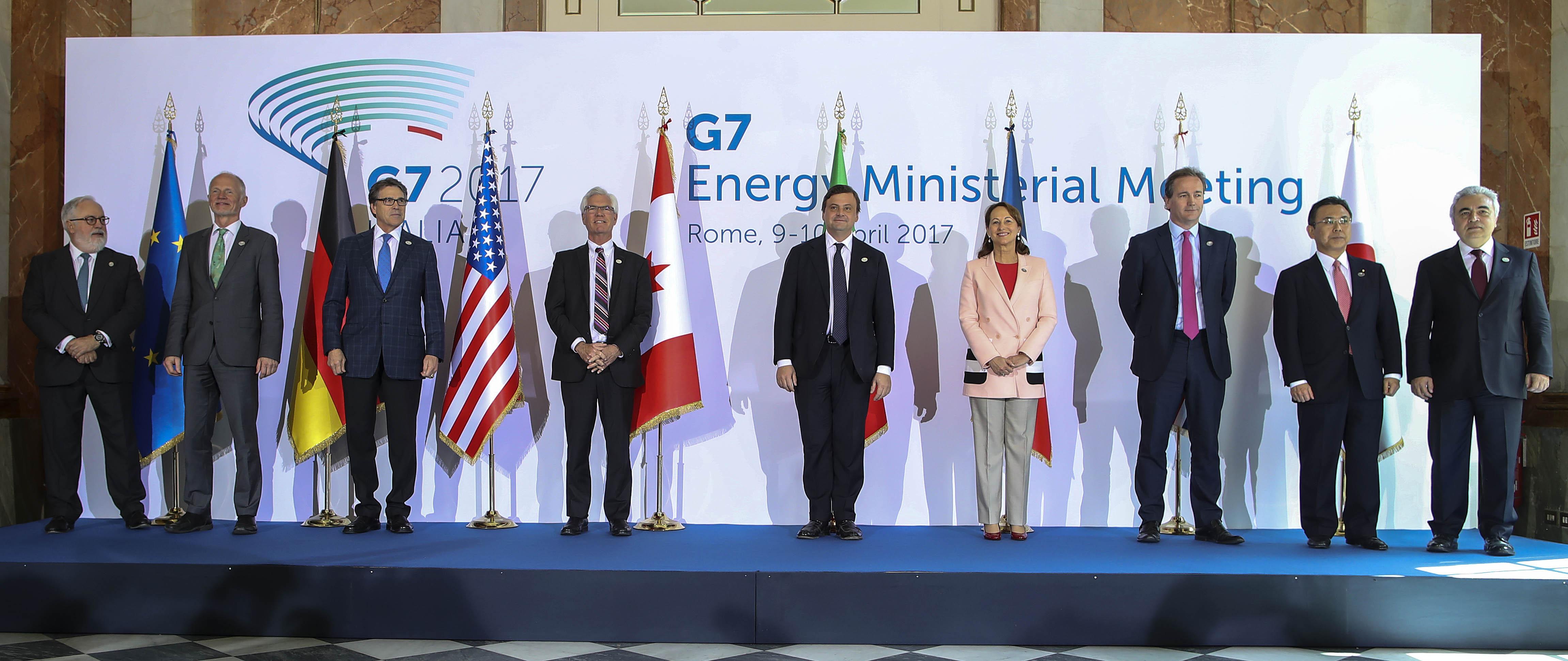 Carlo Calenda G7 Energia gruppo